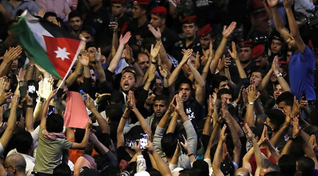 Ürdünde protestolar sonuç verdi