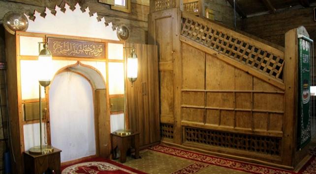 Tek bir çivi kullanılmadan inşa edilen Göğceli Camii hala ayakta