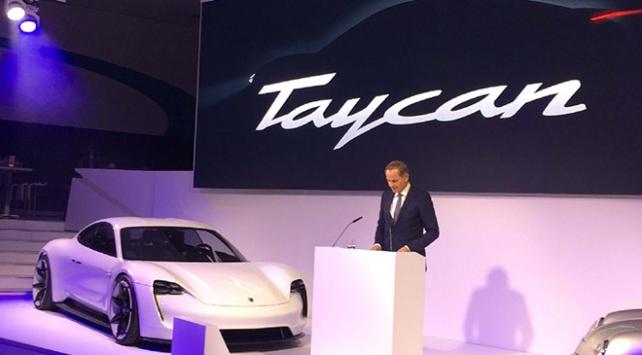 Porsche Türkçe isimli elektrikli aracını tanıttı