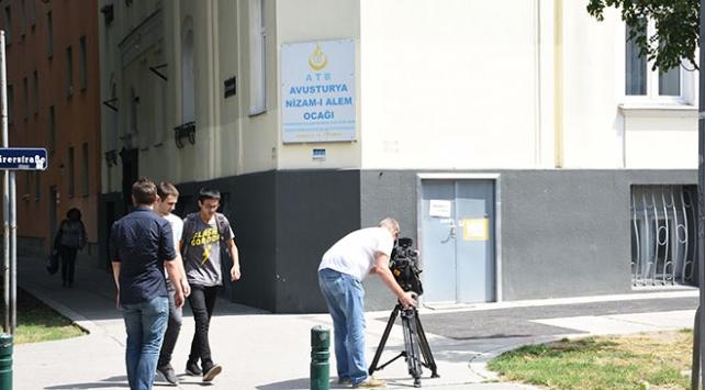 Avusturyalılar camilerin kapatılması kararına tepkili