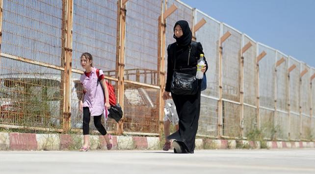 Suriyeli anne hüznü ve mutluluğu bir arada yaşadı