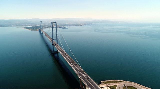 Osmangazi Köprüsü açılışından bugüne 12,5 milyon aracı taşıdı