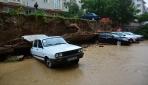 Tokat Erbaada sağanak yağış hayatı felç etti