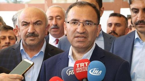 Başbakan Yardımcısı Bozdağ: Ezanların vaktinin dışında okunması söz konusu değil