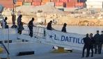 Göçmen kurtarma gemisi Acquarius, İspanyaya ulaştı