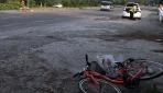 Otomobil, bisikletle gezinti yapan kadına çarptı: 2 yaralı