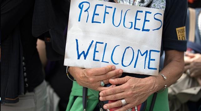 Fransada mültecilere destek yürüyüşü yapıldı