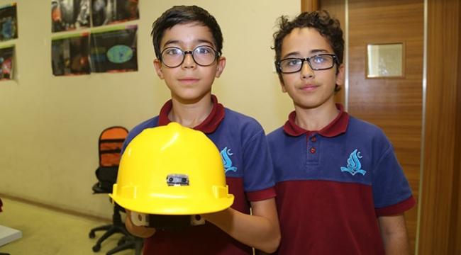 Ortaokul öğrencilerinden görme engelliler için güvenli kask
