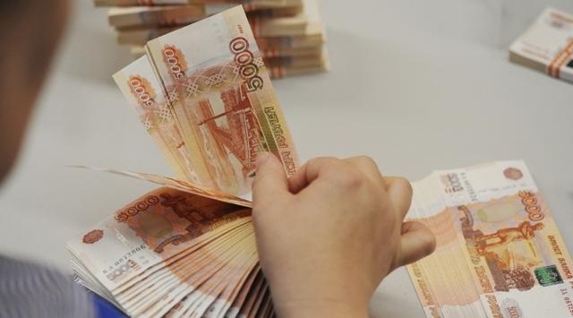 Rus rublesinde 'ticaret savaşı' endişesi