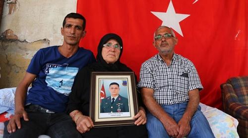 Şehit Ferhat Gedikin ailesinden TSKya Kandil desteği