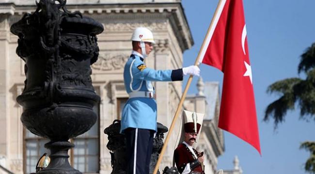 Dolmabahçe Sarayında ziyaretçileri mehter takımı karşılayacak