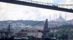 Dünyanın en büyük inşaat gemisi 3. kez İstanbul Boğazından geçti