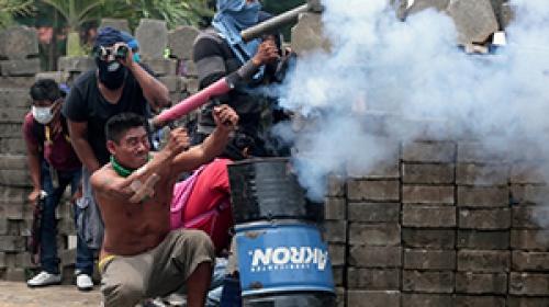 Nikaraguada sokaklar savaş alanına döndü