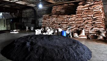 Mersinde 45 ton sahte çay ele geçirildi