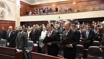 Makedonya isim değişikliği anlaşmasını onayladı
