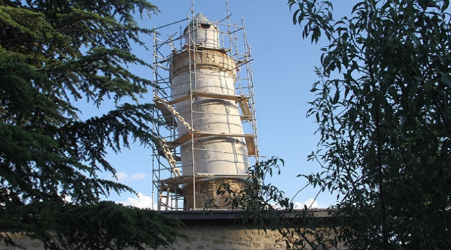 Pisa Kulesinden daha eğik olan Ulu Cami minaresinin plastik restorasyonu tamamlandı