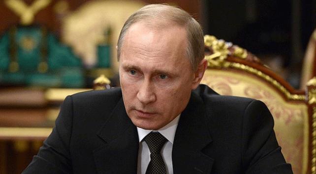 Putin, Ukrayna Devlet Başkanı Poroşenko ile telefonda görüştü