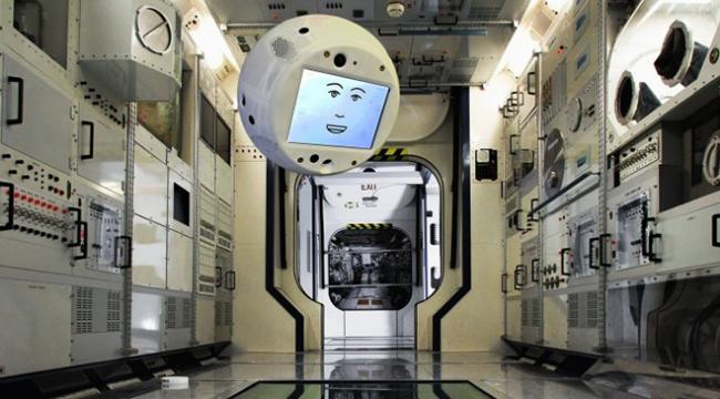Dünyanın ilk uçan robotu CIMON astronotlara yardım edecek