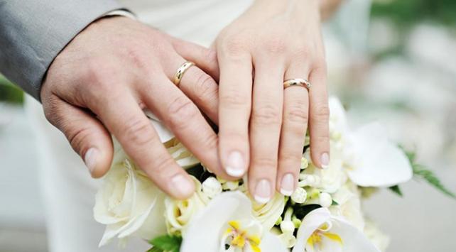 Evlenmek kalp hastalıkları ve felçten koruyor