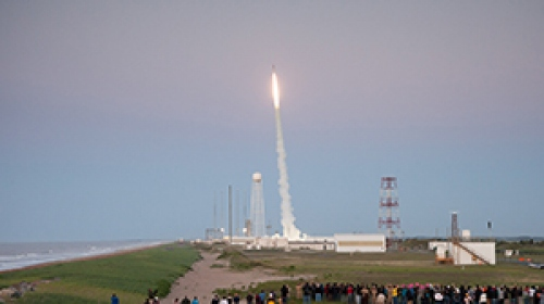 NASAnın öğrenci deneyleri taşıyan füzesi fırlatıldı