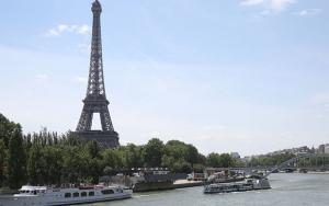 Parisin sembolü Eyfel Kulesi