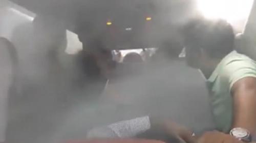 Uçaktan inmeyi reddeden yolculara pilottan soğuk duş