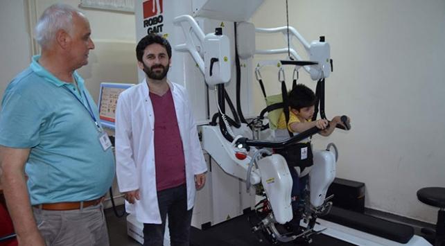 Robot tedavisi felçli hastalara umut oldu