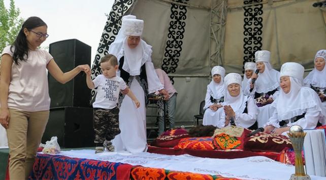 Kazakistanın ilk adım töreni yüzyıllardır sürdürülüyor