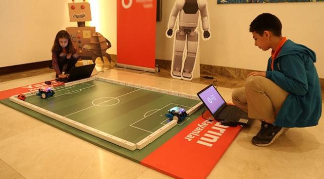 12 bin çocuk dijital geleceğe hazır