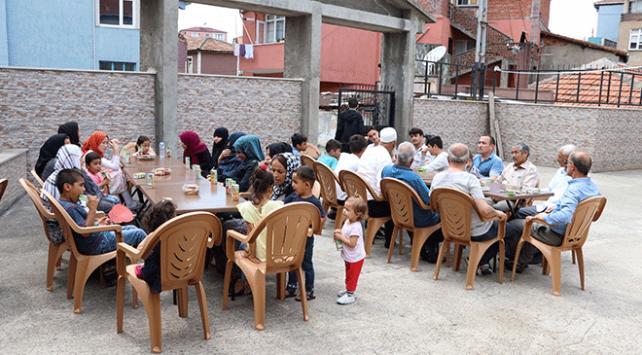 Zonguldak Ensarları mültecilerin yüzünü güldürdü