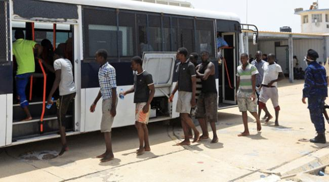 Yemende bazıları kadın kılığında 52 Afrikalı göçmen yakalandı