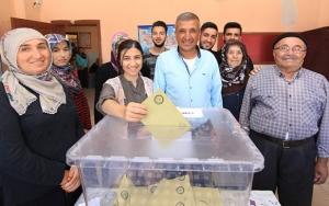 Seçim gününden ilk kareler