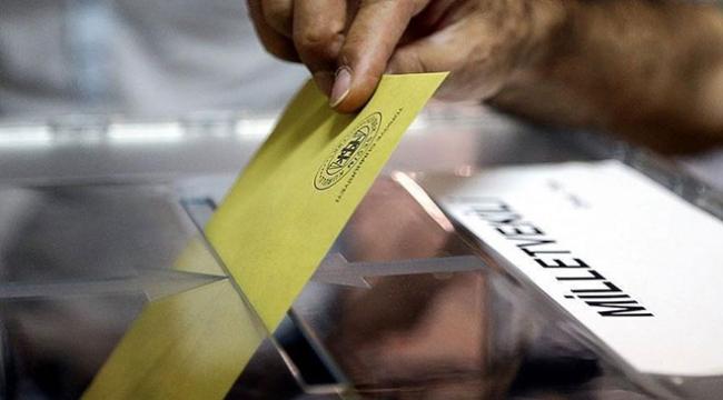 Mükerrer oy kullanmaya çalışırken yakalandı