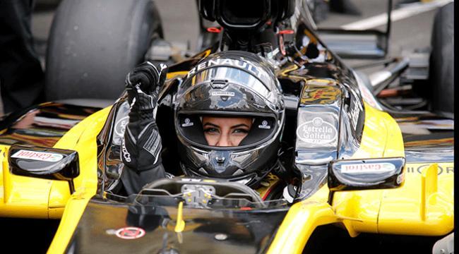 Suudi Arabistanlı kadın sürücü F1 aracı kullandı