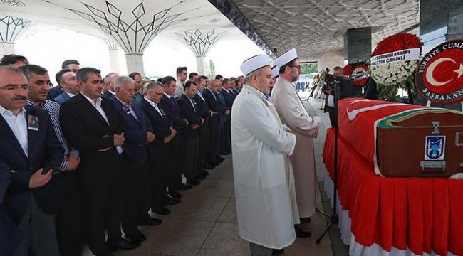 Gelir İdaresi Başkanı Adnan Ertürk son yolculuğuna uğurlandı
