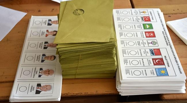 Antalyada oy pusulalarını telefonlarıyla görüntüleyen 21 kişiye yasal işlem