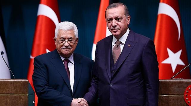 Filistin Devlet Başkanı Abbastan Erdoğana tebrik