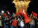Bosna Hersek'te yaşayan Türk vatandaşları seçimi kutladı