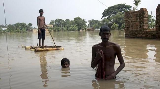 Hindistanda aşırı yağışlar can aldı