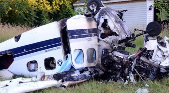 ABDde küçük uçak düştü: 2 ölü, 1 yaralı