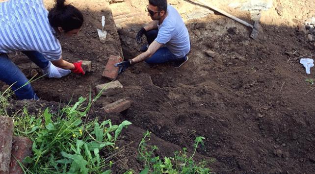 Ardahanda kazıda tespit edilen Rus subaya ait mezar taşındı
