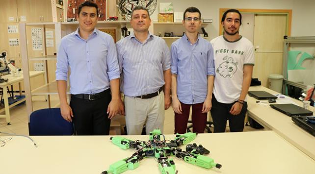 Kocaeli Üniversitesinde askeri operasyonlar için örümcek robot geliştirildi