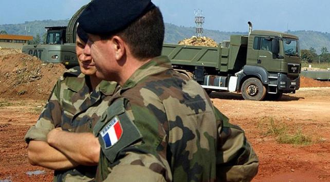 Malide Fransız askerlerine saldırı