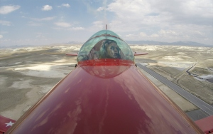 Akrobasinin Türk kadın pilotu yurt dışında uçma hayalini gerçekleştiriyor