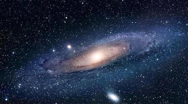 Bir ucundan diğerine gitmek ışık hızıyla 200 bin yıl sürüyor
