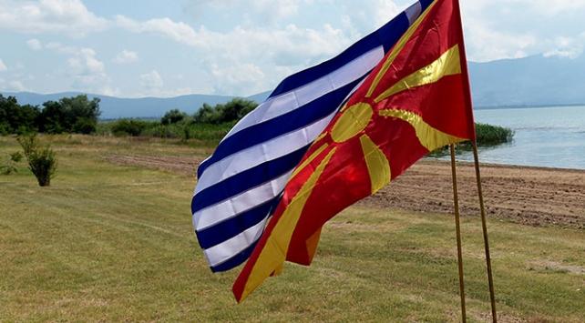 Yunan Bakandan Makedonyayla isim anlaşması için halk onayı şartı