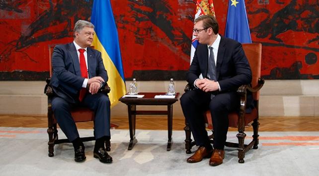 Ukrayna Devlet Başkanı Poroşenkodan Sırbistana Kosova mesajı