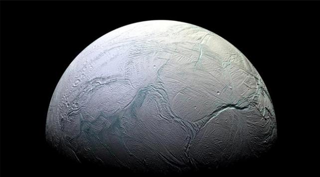 Enceladusta yaşam için gerekli koşullara sahip kanıtlar bulundu