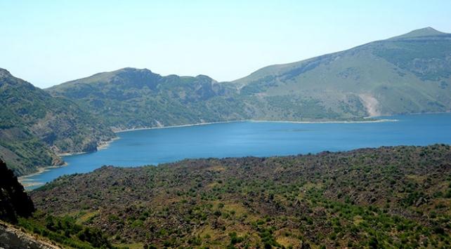 El değmemiş doğasıyla Nemrut Krater Gölü