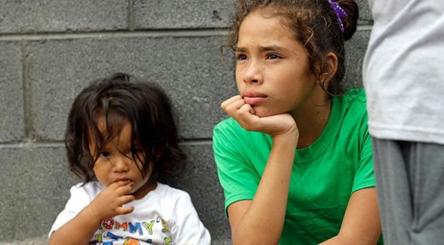 Göçmen çocuklar ve ebeveynlerin birleşmesi için DNA testi